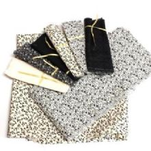 Very Easy 6x7 Squares Black and Cream Patchwork Quilt Kit